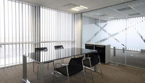 办公室装修之窗帘装饰